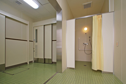 多目的シャワー室